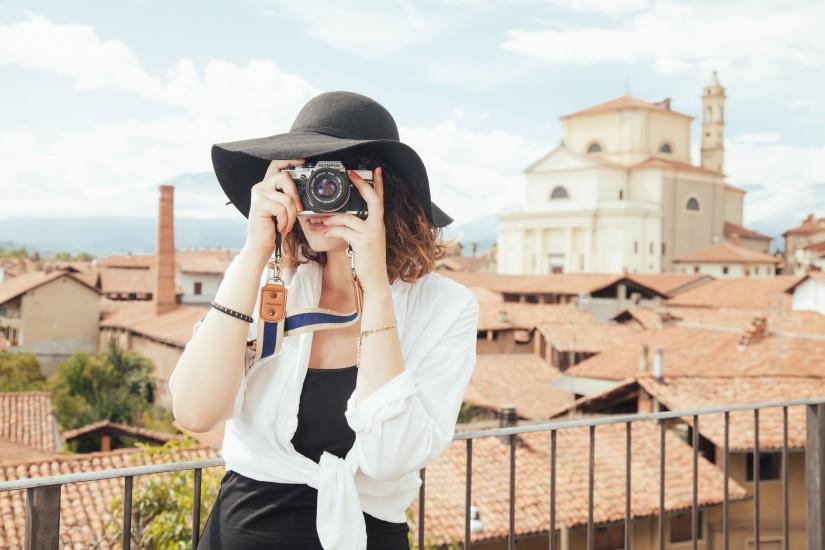 femme appareil photo