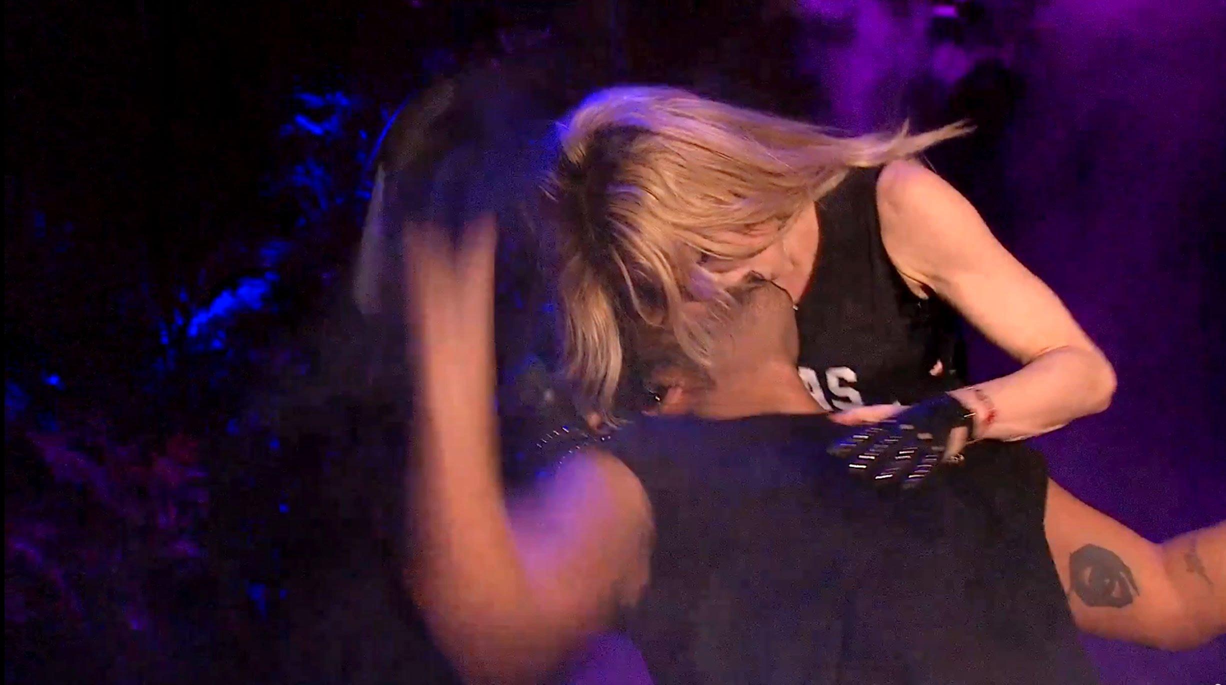 Drake à deux doigts de vomir après avoir été embrassé par Madonna