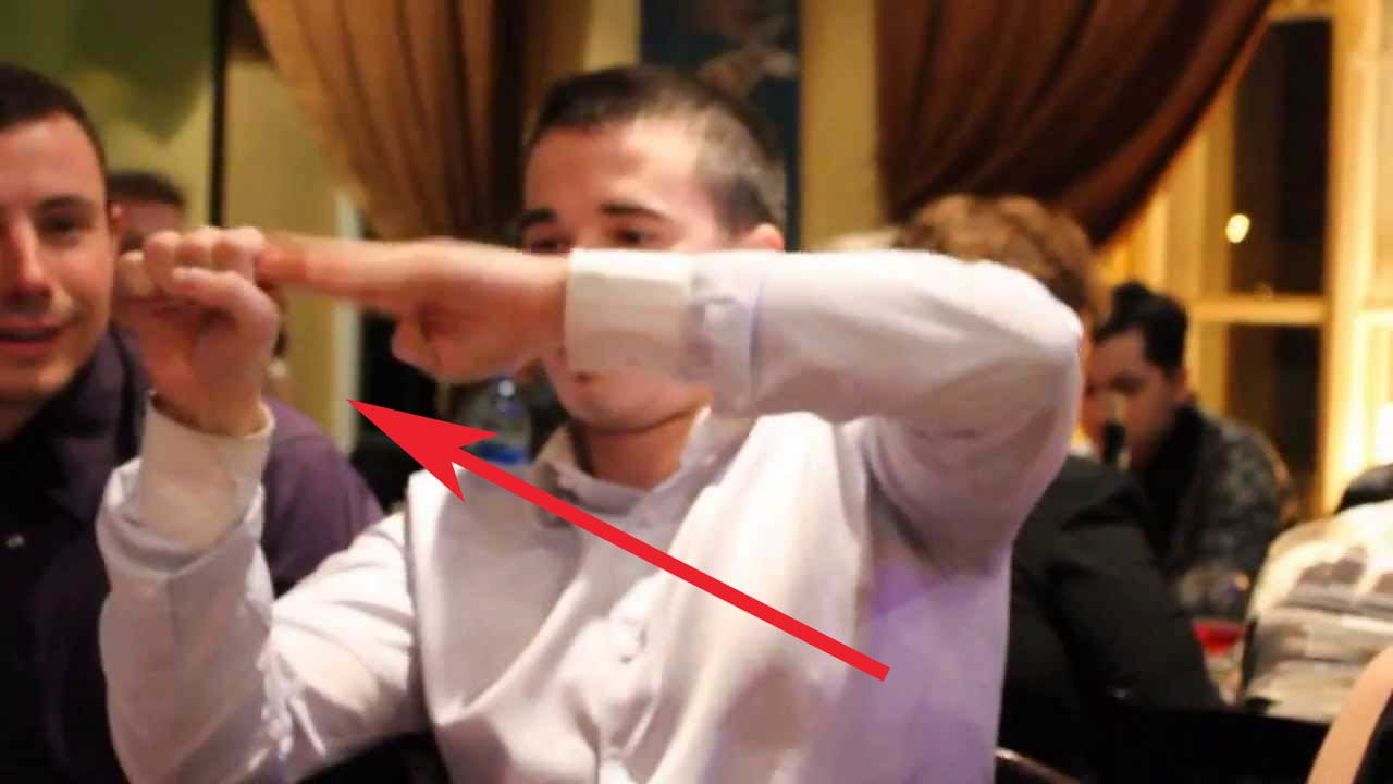 Ce que ce jeune sourd fait avec ses mains va vous laisser sans voix !