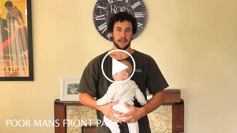 Un jeune papa vous montre toutes les façons de tenir un bébé